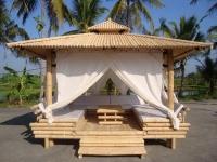 Деревянная беседка-шатер в восточном стиле