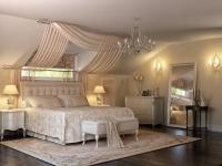 Оригинальный дизайн спальни на мансарде
