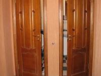 Распашные двери в раздельный санузел