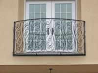 Оригинальная ковка для французского балкона