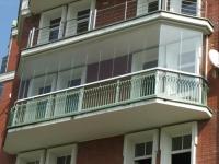 Панорамное остекление традиционного балкона, французский стиль