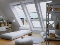 Большие витражные окна на мансарде