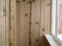 """Необычная """"бамбуковая"""" отделка балкона"""