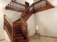 Поворотная лестница на мансарду
