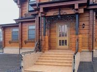 Облицовка плиткой крыльца деревянного дома