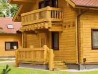 Дом и крыльцо из кирпича