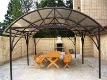арочный теневой навес из поликарбоната