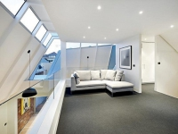 Потолок мансарды со встроенным освещением