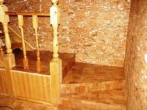 пробковое покрытие стен прихожей