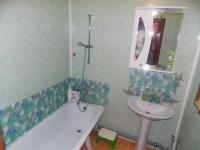 Декор из панелей пвх зон возле умывальника и ванны