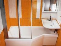Установка умывальника над ванной в санузле