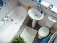 Планировка маленького санузла с полноценной ванной
