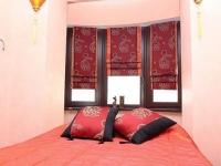 Японские шторы в минималистическом дизайне спальни