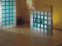 стены и перегородки из стеклоблоков