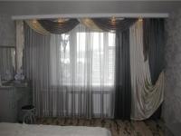Серая классическая тюлевая занавеска из органзы в спальне