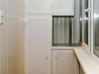 Шкаф сложной формы на лоджии