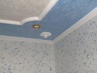 Декоративный потолочный плинтус из пенопласта