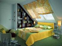 Обустройство спальной комнаты на мансарде